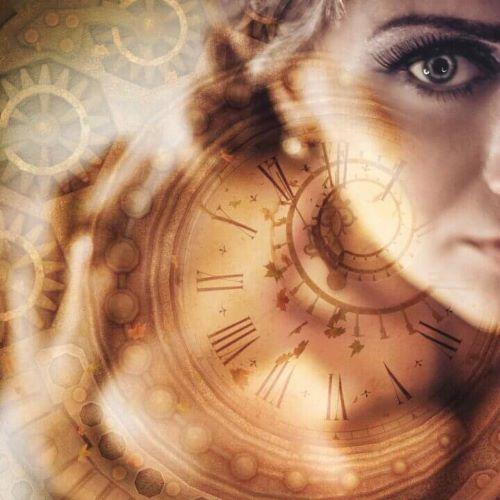 uplywajacy czas kobieta uroda tiande.center 720x720 1 - 2 KROKI DO TWARZY MŁODSZEJ O CO NAJMNIEJ 20 LAT