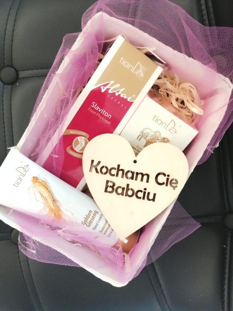 babcia 2 768x1024 - PREZENT DLA BABCI - ZESTAW 2