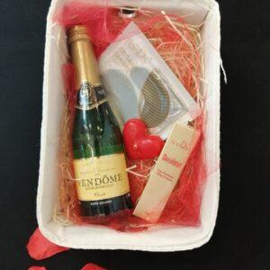 prezent walentynki szampan tiande center 1 1 300x300 - PREZENT DLA NIEJ - zestaw 2