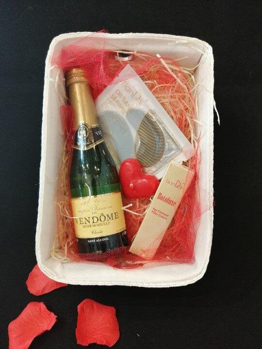 prezent walentynki szampan tiande center 1 1 - PREZENT DLA NIEJ - zestaw 2